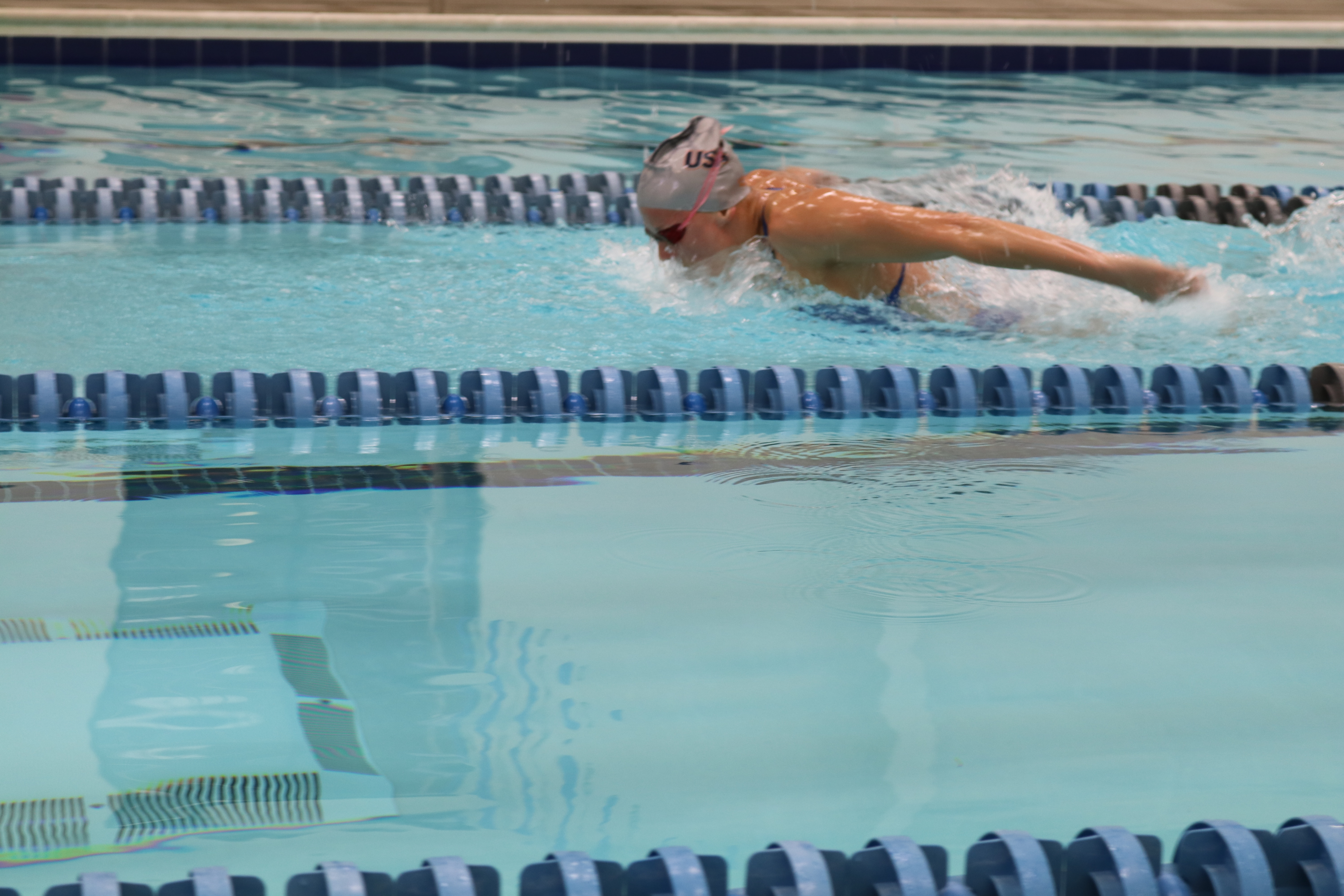 Paralympic gold medalist Jessica Long training at the Merritt Towson lap pool